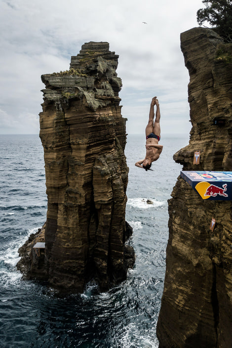 catalin-preda-isi-continua-evolutia-in-seria-mondiala-red-bull-cliff-diving
