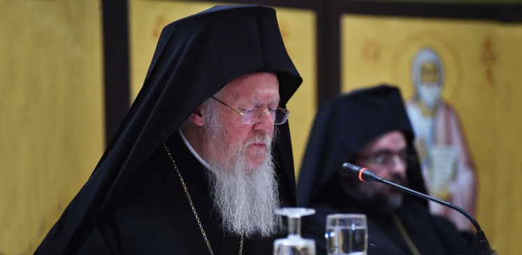 -ecumenical-patriarch-bartholomew-officially-welcomed-by-patriarch-daniel-