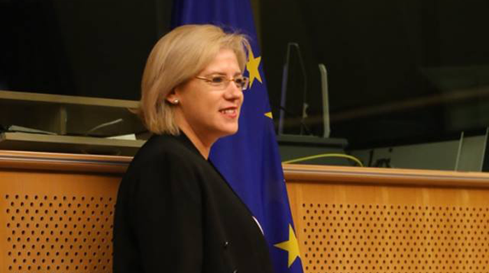 eu-commissioner-corina-cretu-at-three-seas-initiative-summit-in-bucharest