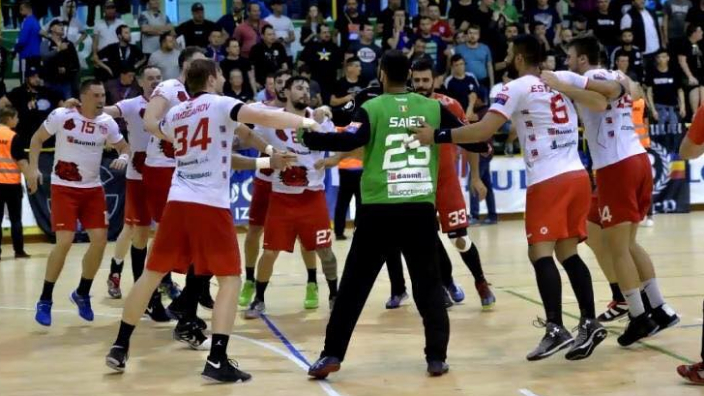 dinamo-bucuresti-and-scm-ramnicu-valcea-win-romanias-handball-supercup