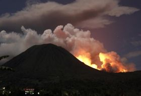eruptie-vulcanica-in-indonezia