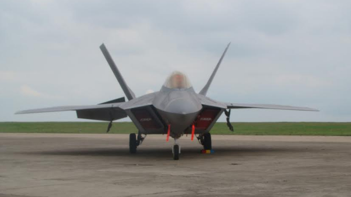 dacian-eagle-us-f-22-raptor-aircraft-in-joint-military-training-in-romania