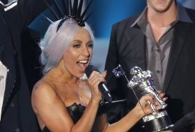 lady-gaga-domina-podiumul-mtv-music-awards