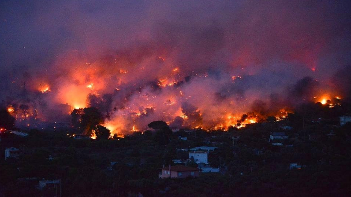 80-de-morti1000-disparuti10000-case-arse-in-incendiile-din-california-