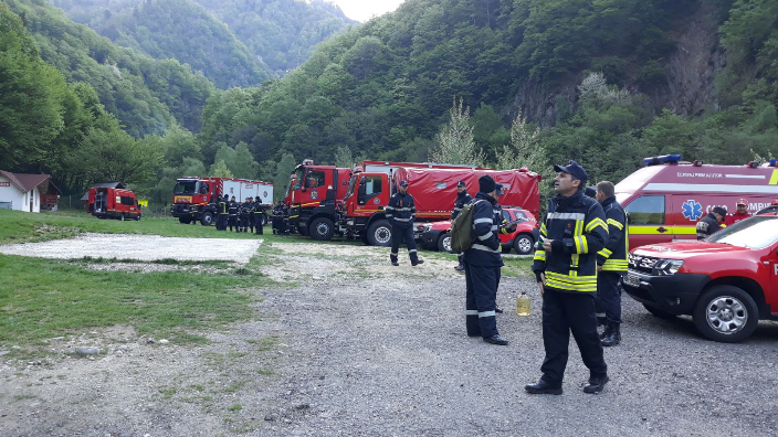 video-incendiul-de-langa-cetatea-poenari-sub-control