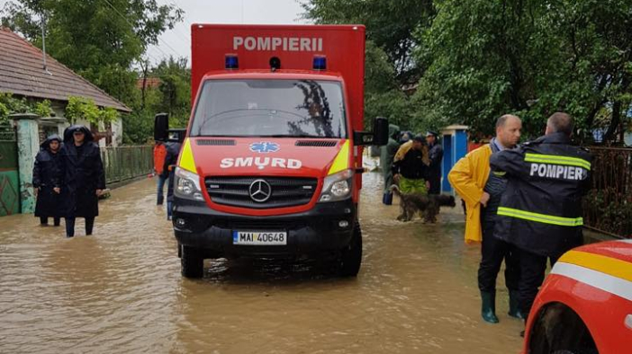 hundreds-of-people-evacuated-from-flood-affected-areas-
