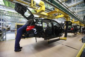 sebes-daimler-inaugurates-production-line-of-8-speed-automatic-gearbox