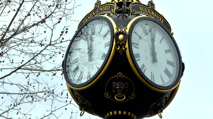 romania-turns-back-clocks-to-winter-time-