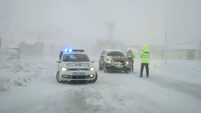 snow-blizzard-in-romania