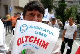 oltchim-factory-employees-resumed-protests