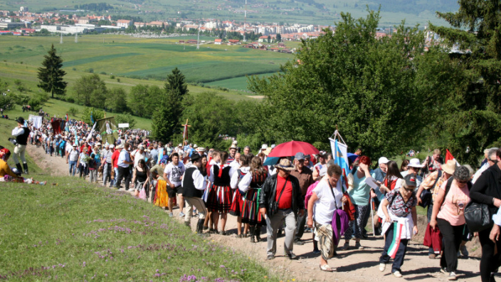 sumuleu-ciuc-largest-roman-catholic-pilgrimage-in-se-europe